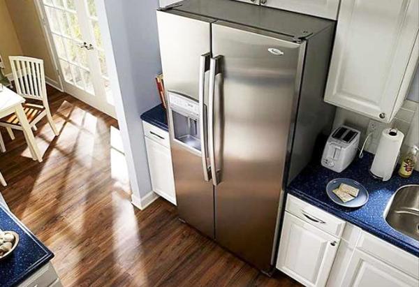Làm gì khi tủ lạnh bị rò điện?