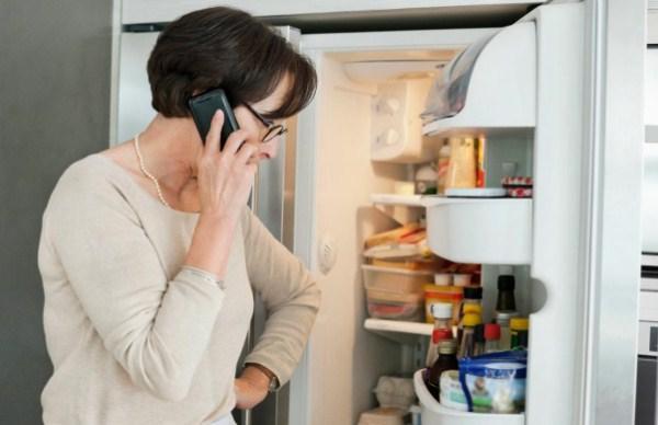 Cảnh giác với hiện tượng tủ lạnh đổ mồ hôi